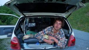 En roadtrip avec Antoine dans sa célèbre Twingo