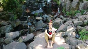 Nicky sur des rochers