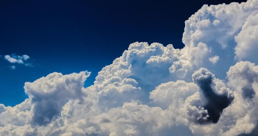 Dans les nuages, autour des rêveurs …